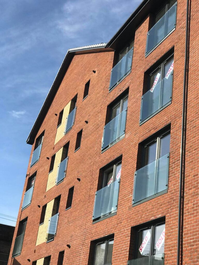 nixon construction builds in paisley